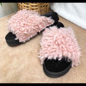 Cape Robbin Size 6 Pink Faux Sheep Fur Slides NIB